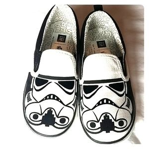 Boys size 10 star wars canvas shoes